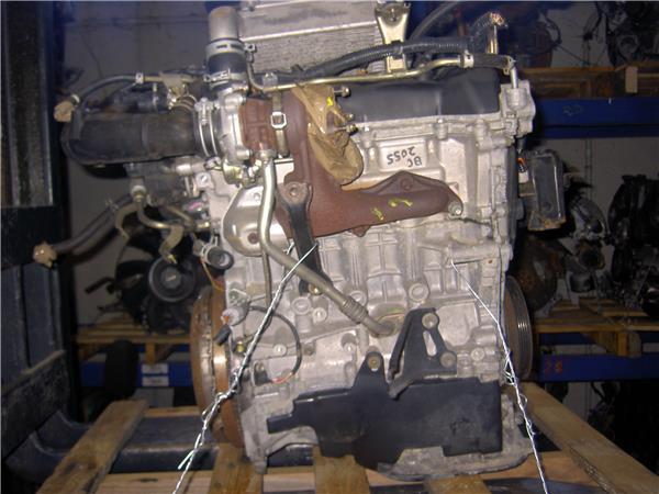 despiece motor toyota yaris 14 d 4d foto 4