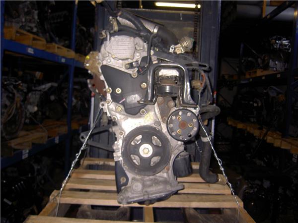 despiece motor toyota yaris 14 d 4d foto 3