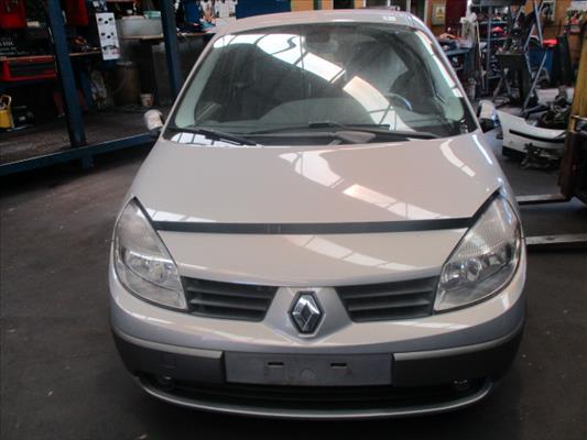 FOTO vehiculoRenaultScenic II (JM)(2003->)